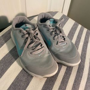 Nike Shoes - Nike Flex